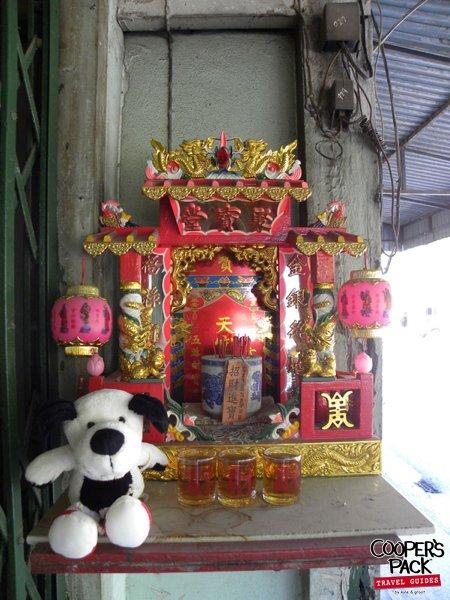 cooper-phuket-thailand-budha-offering